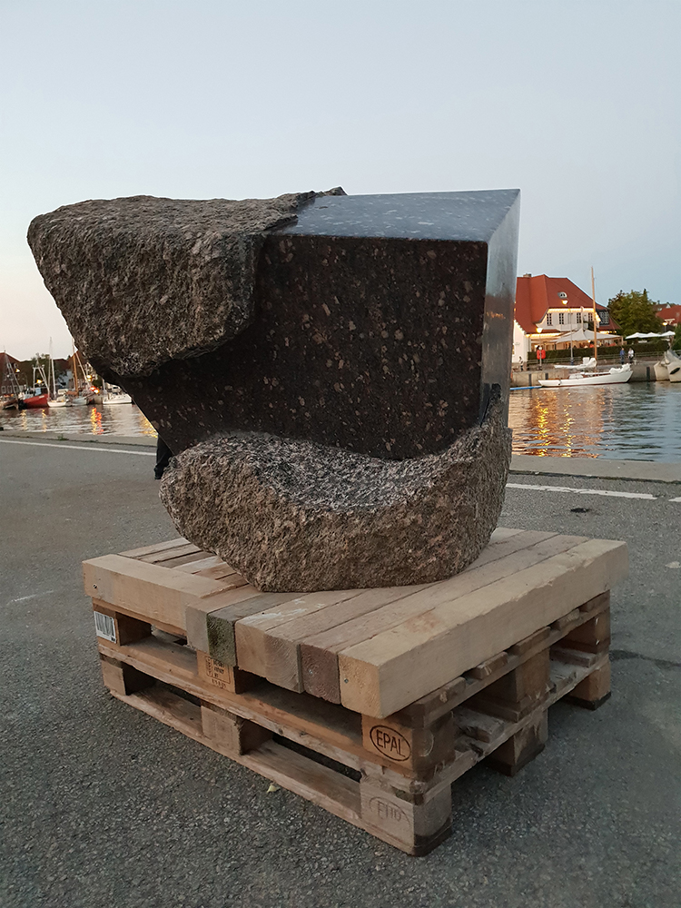 The Authority of the Line-Granite-2018-ca. 101x94x65 cm-Neustadt in Holstein 1